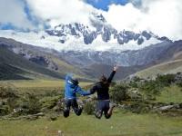 Jumping Cordillera Blanca